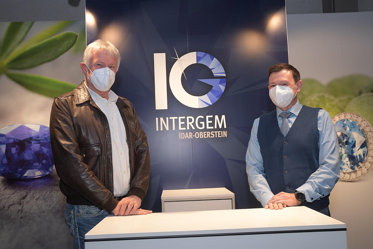 Vorsitzender Messeverein Dr. Konrad Henn (links) Und Neuer Geschäftsführer Intergem Messe GmbH Mirko Arend (rechts) - © Foto Manfred Greber
